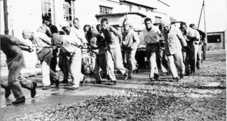 KZ Dachau, Häftlinge bei der Zwangsarbeit